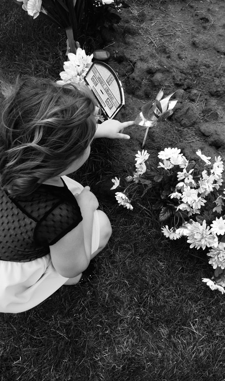 کمک به کودک برای کنار آمدن با مرگ عزیز