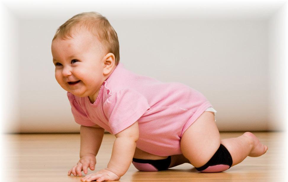 کودک در ۸ تا ۱۲ ماهگی