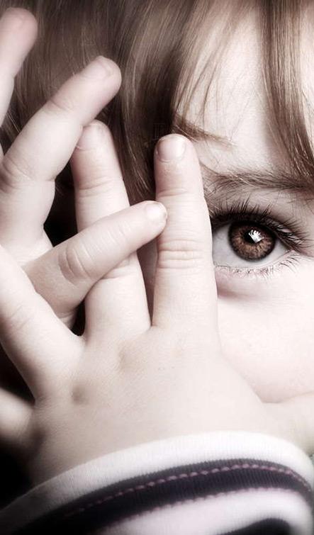 تشویق کودکان ساکت و گوشه گیر