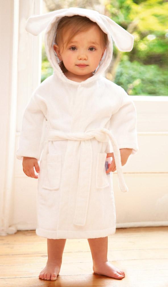 یاد دادن آداب لباس پوشیدن به کودک